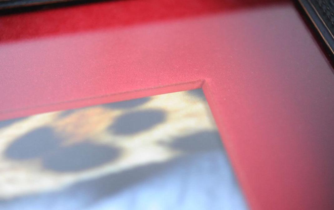 Supremeのケイトモスのポスターを額縁 Deep Loveで額装しました。3
