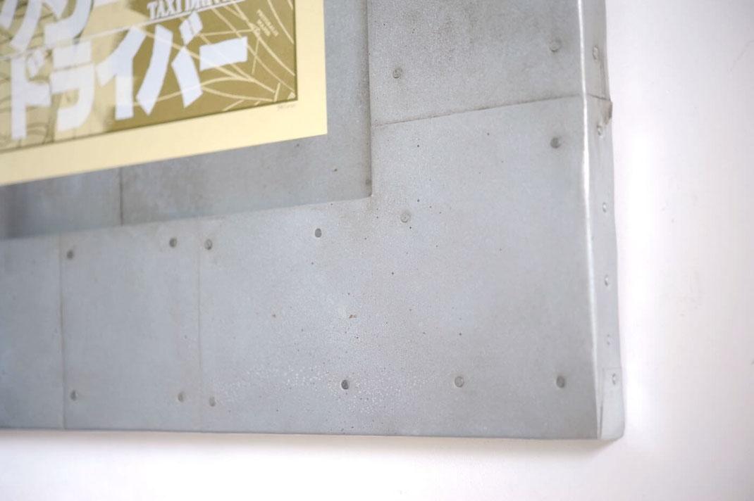 映画 タクシードライバーのポスターに鉄板を使用した額装を製作しました4