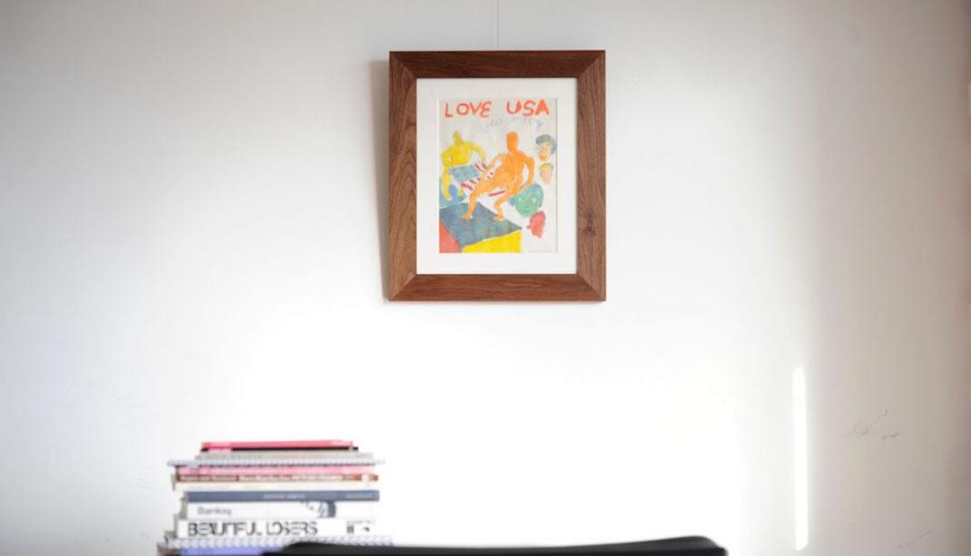 """Daniel Johnston(ダニエル・ジョンストン)""""LOVE USA""""の額装画像"""