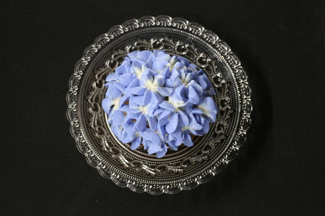 Hortensien-Cupcakes in hellblau