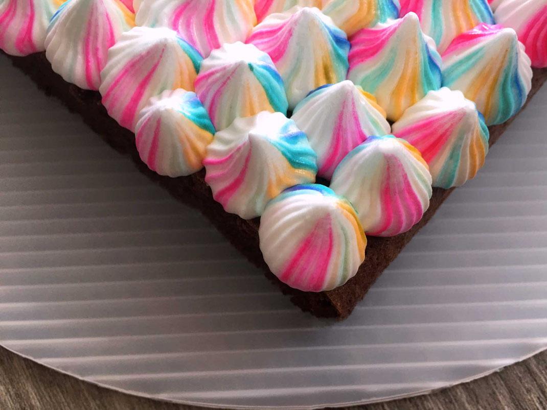 Brownies mit Eiweißcreme