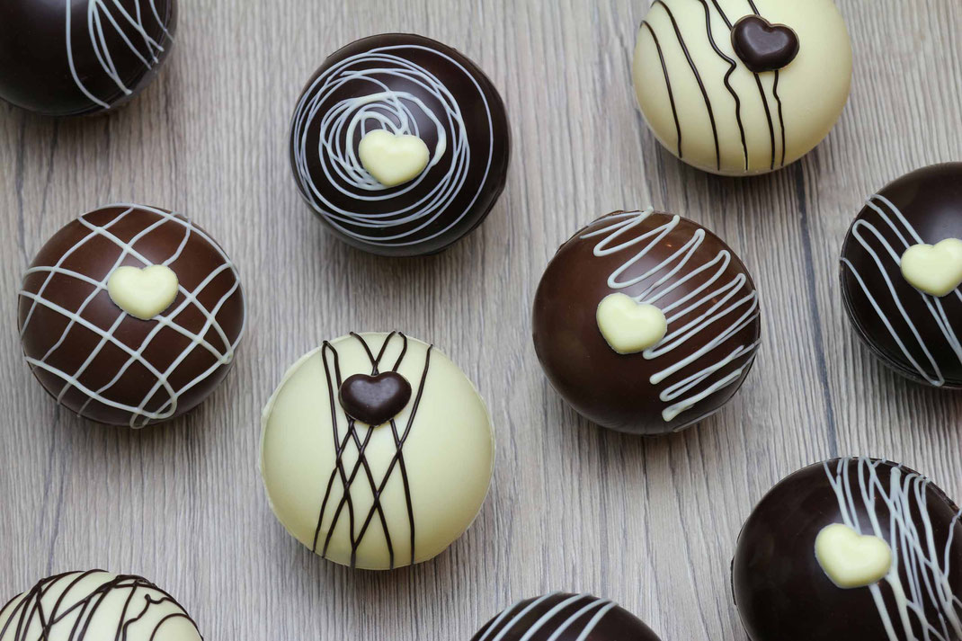 chocolate bombs for hot chocolate