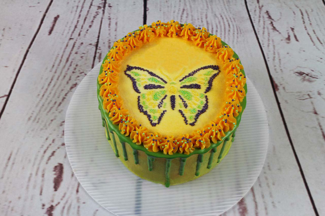 spring cake with butterfly