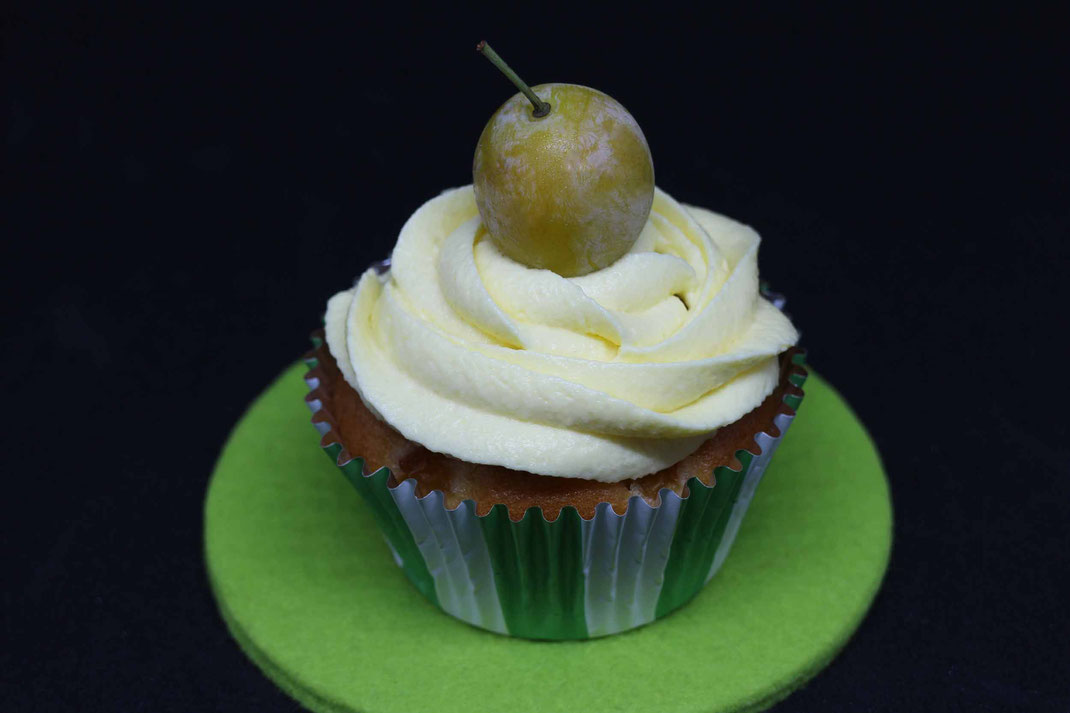 yellow plum cupcakes