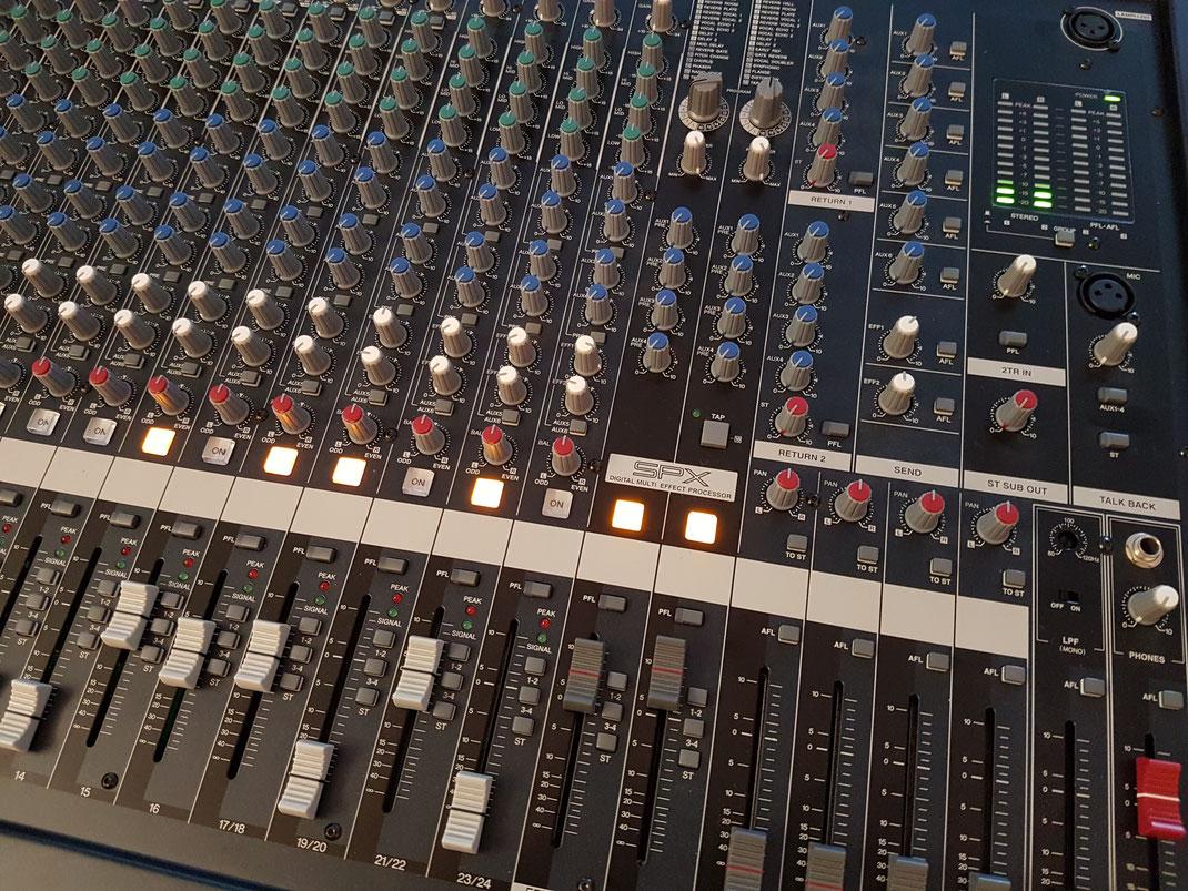 Yamaha Mischpult analog