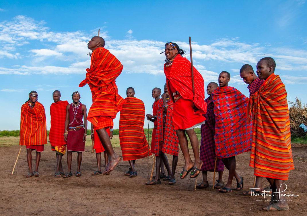 Meine Höhepunkte in Kenia Die einzigartige Tierwelt der kenianischen Nationalparks mit ihren atemberaubenden Sonnenuntergänge  Green Crater am Lake Naivasha Vasco da Gama Denkmal in Malindi - Meine persönlichen Reisetipps für Kenia: Die einzigartige Tierw