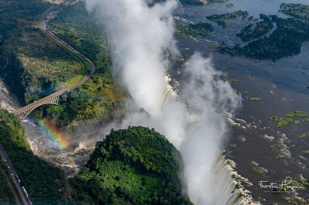 Meine Rundflüge in Afrika -  Mit dem Chat-Flieger von Äthiopien nach Djibouti Einer der Top Rundflüge der Welt. Der atemberaubende Flub über die Namib Wüste  Spektakulärer Helikopter Flug über die Victoria Fälle in Simbabwe  Rundflug über das Okavango Del