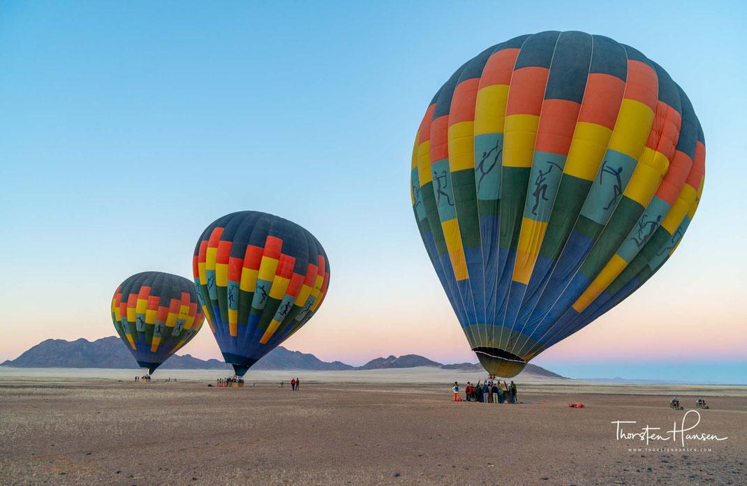 Meine Ballon Fahrt in Namibia -  Die wunderbare Ruhe und die traumhafte Landschaft der Namib Wüste und des Sossusvleis aus der Luft erleben Frühstück und Champagner in der Weite und der Ruhe der Namib Wüste Mit freundlicher Unterstützung von: https://ball