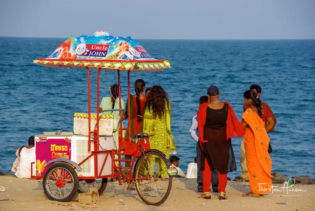 Erleben Sie mit dem Reiseleiter Thorsten Hansen Tempel. Strände und Märkte in Tamil Nadu. Wir besuchen Auroville, erleben französische Lebensart in Pondicherry und die heiligen Stätten in Mamallapuram