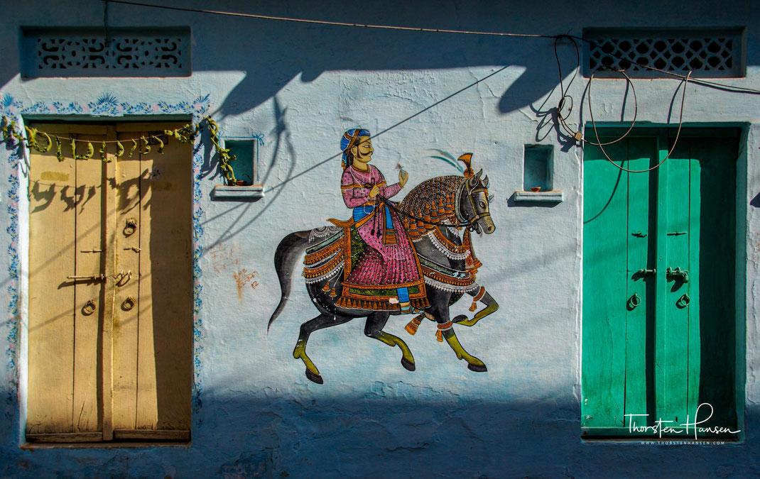 Erleben Sie mit dem Reiseleiter Thorsten Hansen die Höhepunkte von Rajasthan in Indien - Udaipur - Ranakpur Jaintempel - Festung in Chitaurgarh - Jodhpur - Jaisalmer