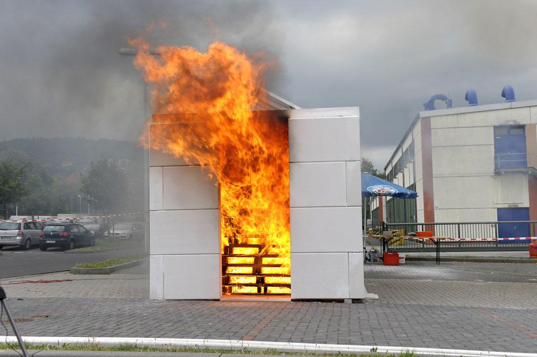¿Qué temperatura soporta el FRP o fibra de vidrio con retardante de fuego?