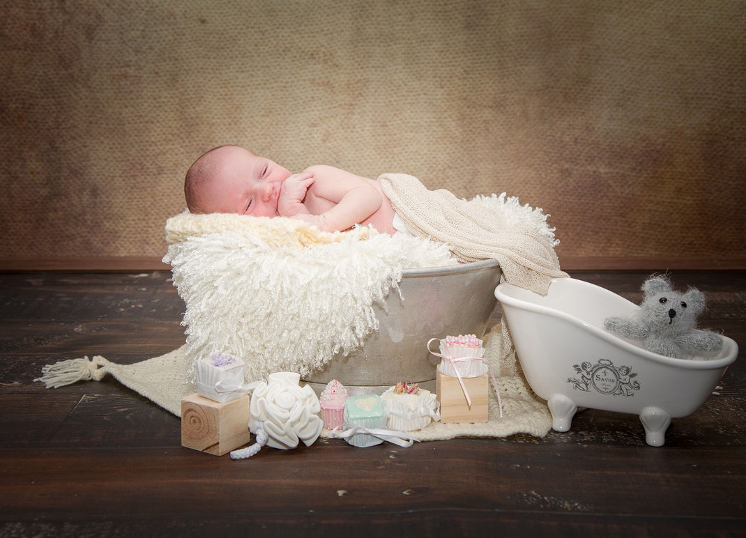 Newbornshooting Neugeborenenshooting Babyfotografie Babyshooting Erding Freising Landshut Moosburg München Baby Shooting Fotograf