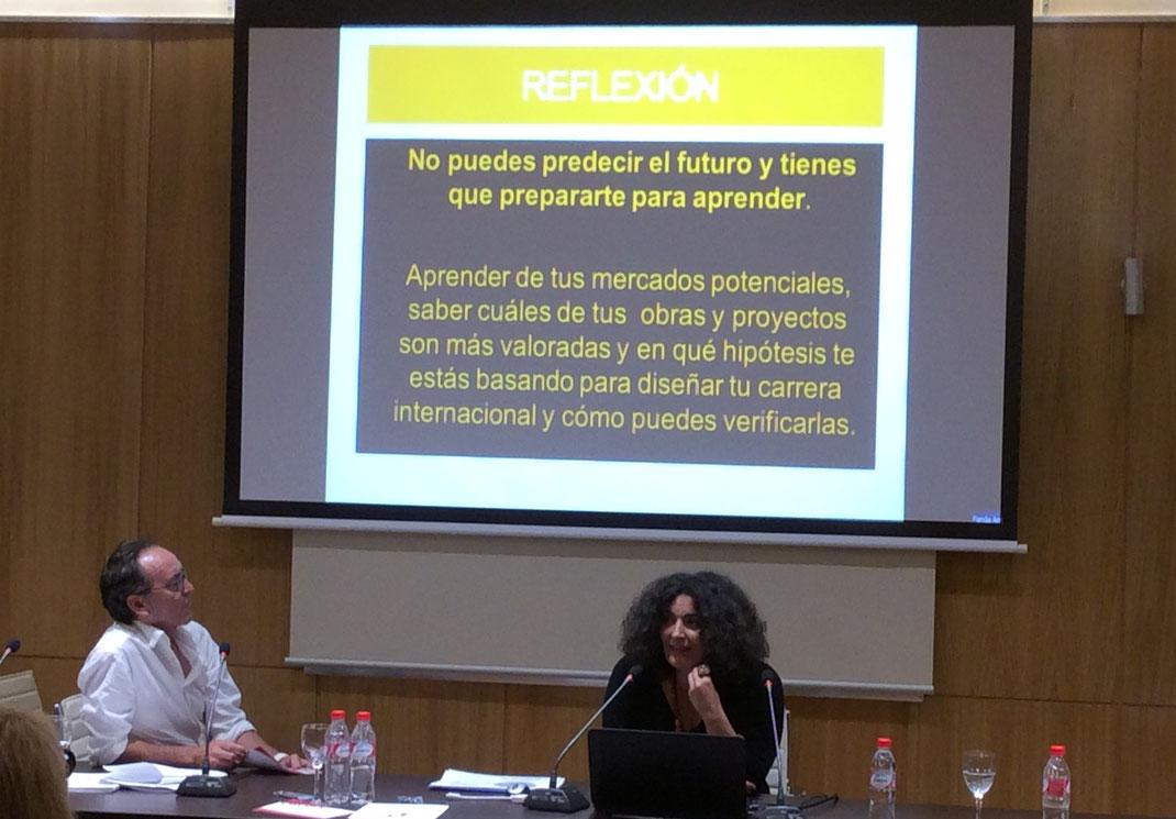 Fernando Barrionuevo y Rosa Muñoz impartiendo su conferencia