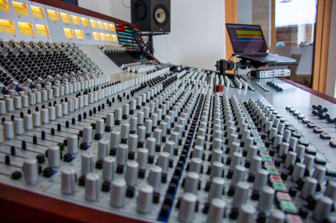 Gnadenlos Studio | Herbert Pixner | Three Saints Records