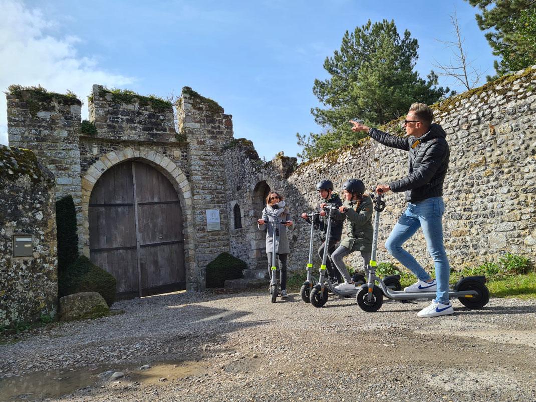 cité médiévale-vieille ville- location-trottinette électrique-baie de somme-famille-balade-fun-insolite-activité-saint valery sur somme-vacances-ados-enfants