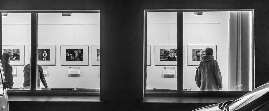 Sonderöffnung der Ausstellung Zühlsdorfer Gesichter anlässlich des Osterfeuers