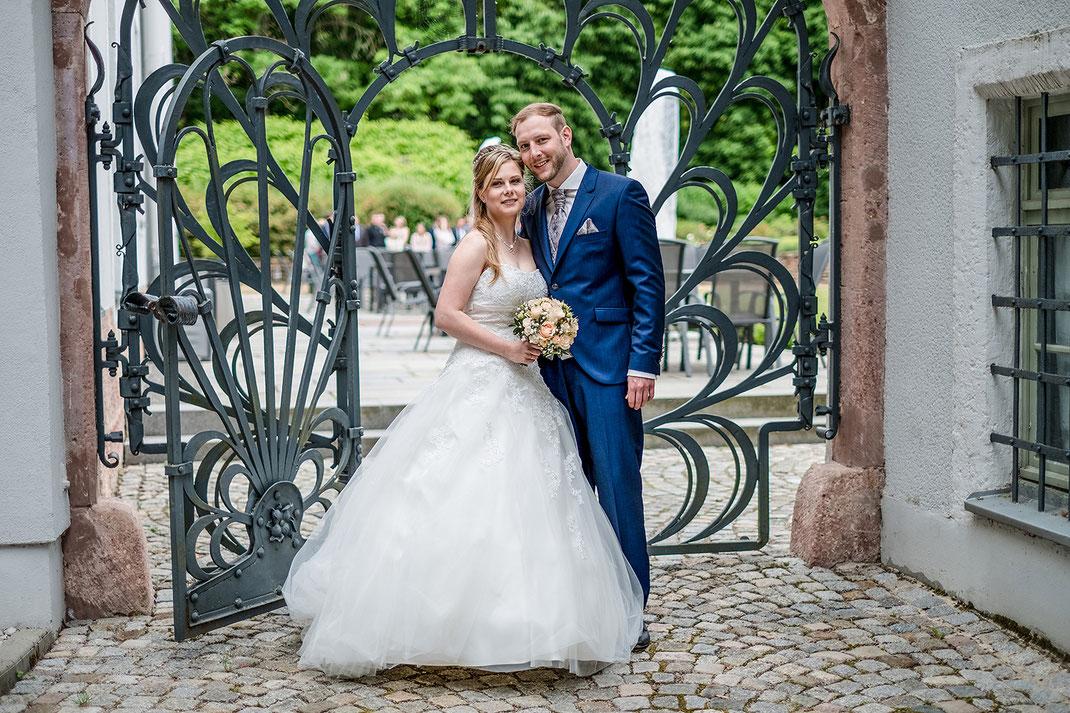 Hochzeitsfotografie, Hochzeitsfotos, Brautpaarshooting, Hochzeitsreportage, Fotografie Diana Krüger, Landhotel Beierlein, Schlosshotel Rabenstein, www.kruegerfotos-hochzeiten.de
