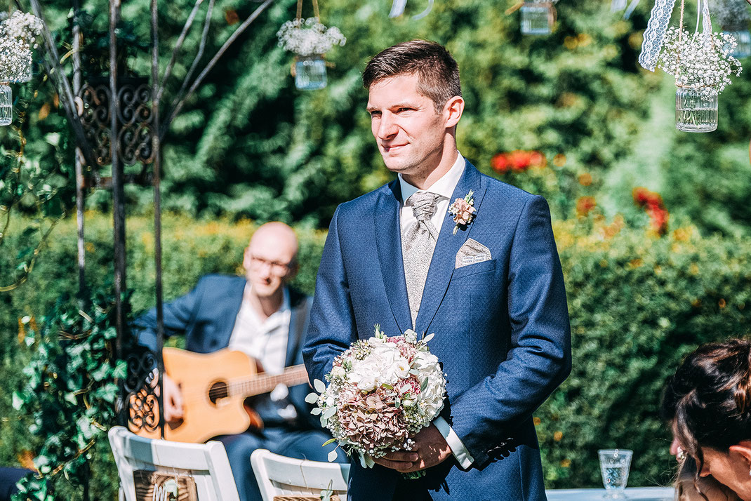 Hochzeitsfotografie, Brautpaarfotos, Brautpaarshooting, Fotografie Diana Krüger, Hochzeit Schwanefeld, Hochzeitsreportage, Fotograf Sachsen, Hochzeitsfotograf Zwickau, Hochzeitsfotograf Dresden, Hochzeitsfotograf Chemnitzhe