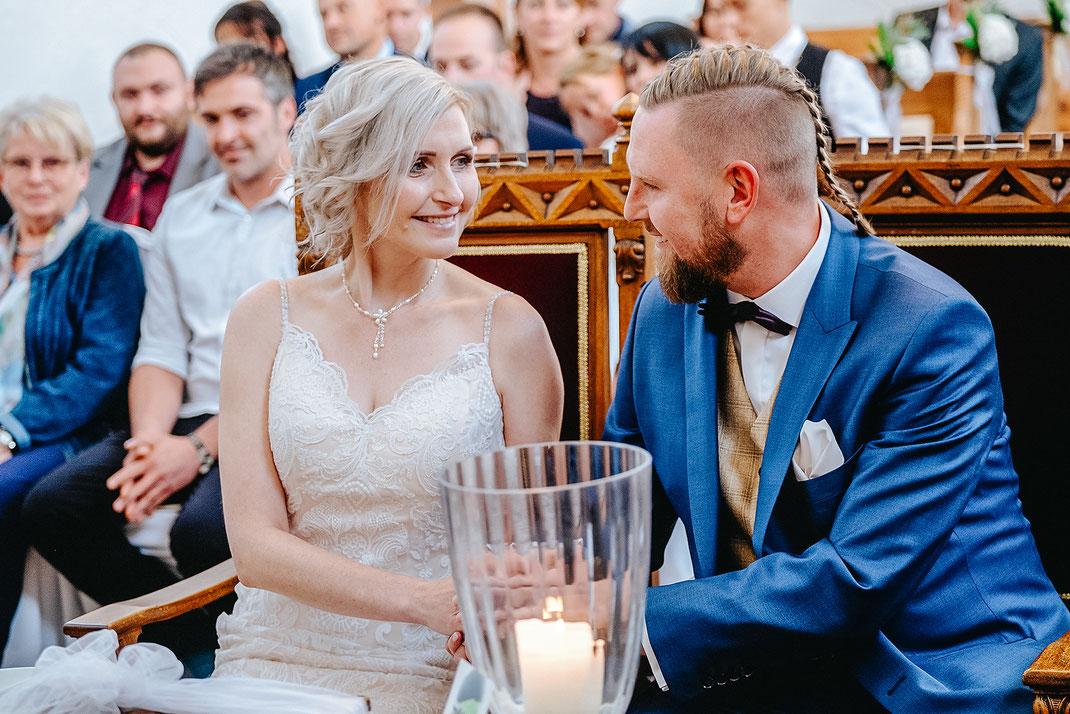 Hochzeitsfotos, Brautpaarshooting, Hochzeitsreportage, Fotografie Diana Krüger, Hochzeitsfotograf, Hochzeitsfotografin, Fotograf Sachsen, Hochzeitsfotografin Chemnitz, Fotograf Zwickau, Hochzeitskapelle