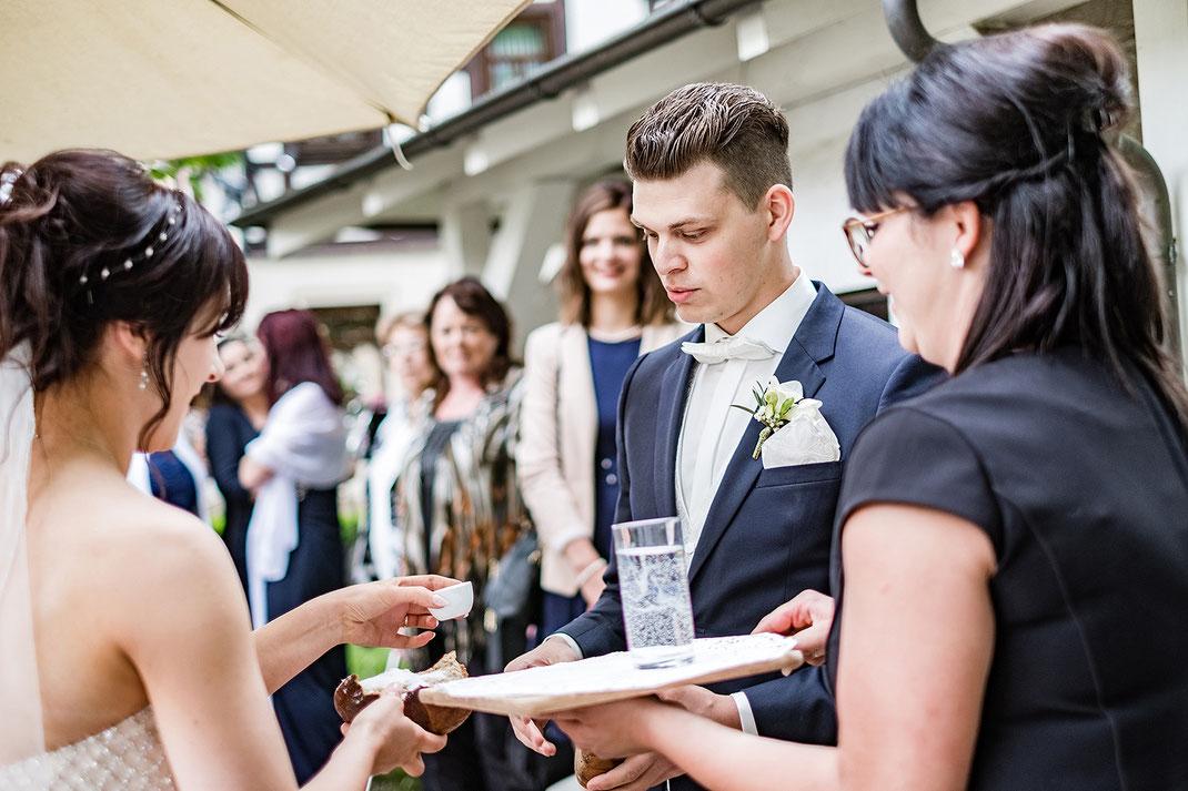 Hochzeit, Brautpaar, Hohzeitsfotos, kirchliche Trauung, Romantikhotel Schwanefeld, Hochzeitsfotografin, Sachsen, Dresden, Leipzig, Chemnitz, Zwickau, Fotografie Diana Krüger, Brautpaarshooting, Hochzeitsreportage