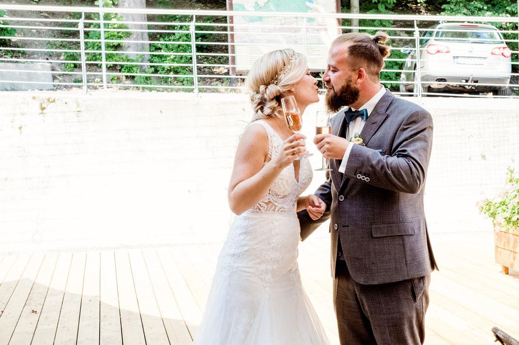 Hochzeit, Hochzeitsfotos, Hochzeitsfotografie, Fotografie Diana Krüger, www.kruegerfotos.de, Hochzeitsreportage, Brautpaar, Brautpaarfotos, Brautpaarshooting, Forsthaus Grüna, kirchliche Trauung, Hochzeitsfotograf Sachsen