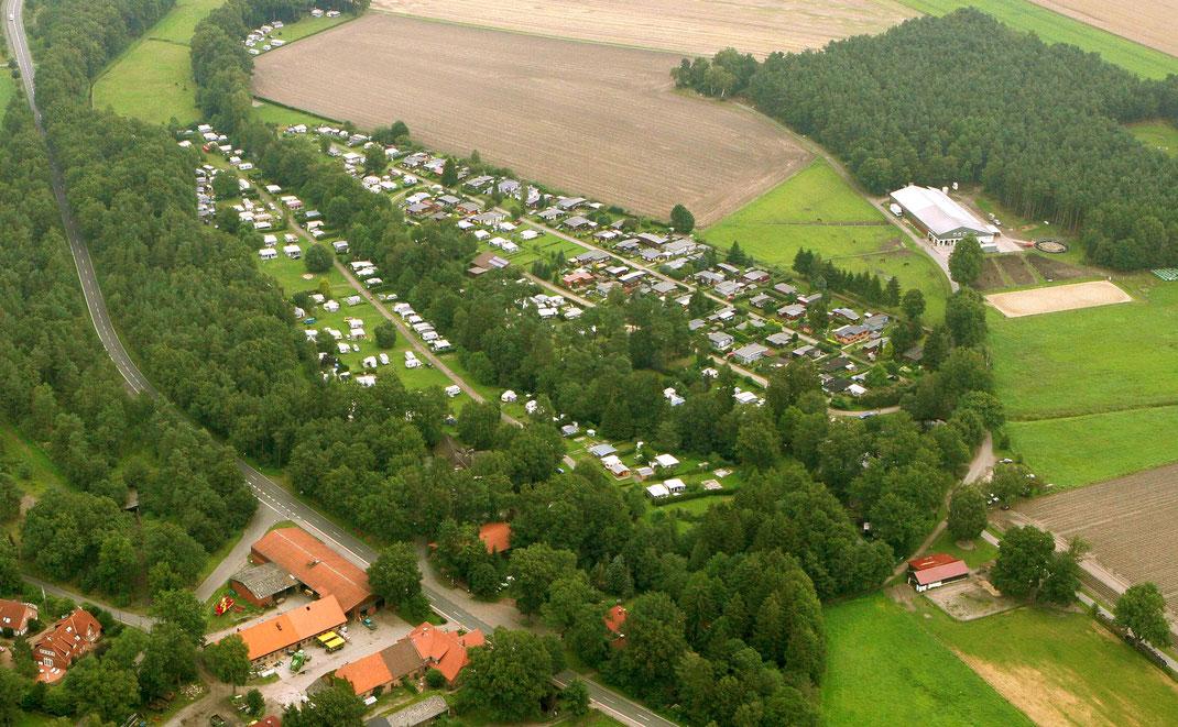 Oertzewinkel Camping - Großzügige Stellplätze, grün und gepflegt, Komfortplätze sogar bis 160 qm