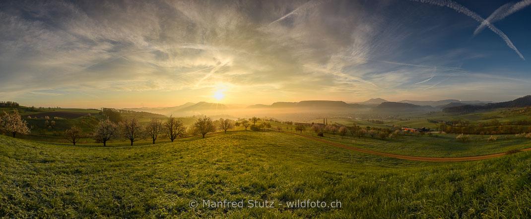 """Der Sonnenaufgang  auf dem """"Klein Furkahorn"""", Grenzgebiet der Kantone Uri und Wallis"""