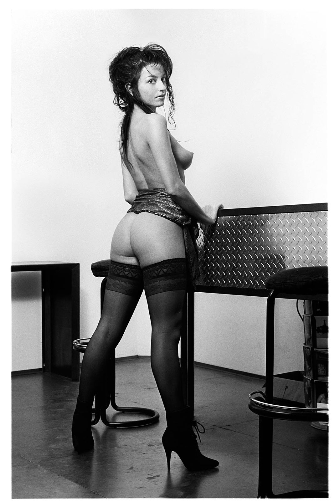 Model Gabriela fotografiert in einer Kunstgalerie in Basel von Martin Boelt