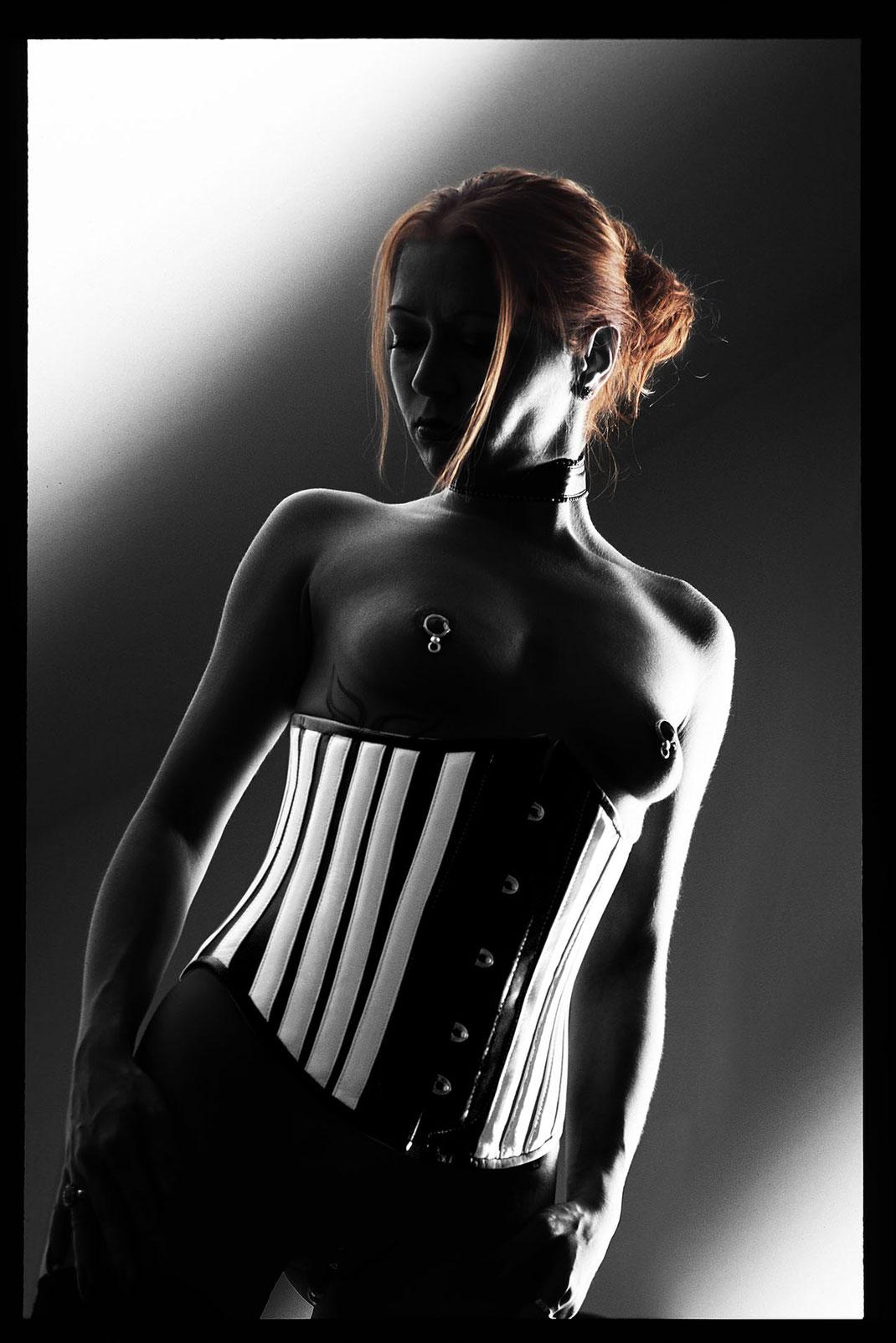 Fetish Fine Art Nude Aufnahme von Martin Boelt Photography