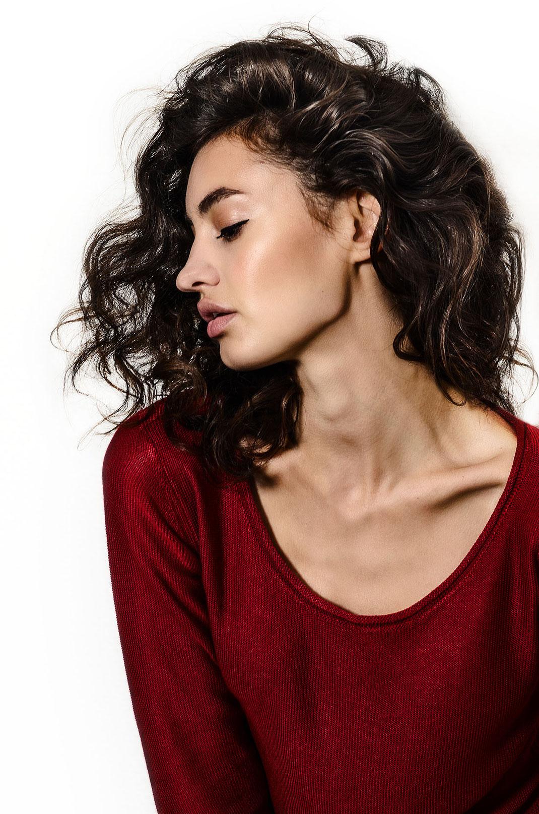 Porträtaufname von Marina Komesarovic fotografiert von Martin Boelt Photography