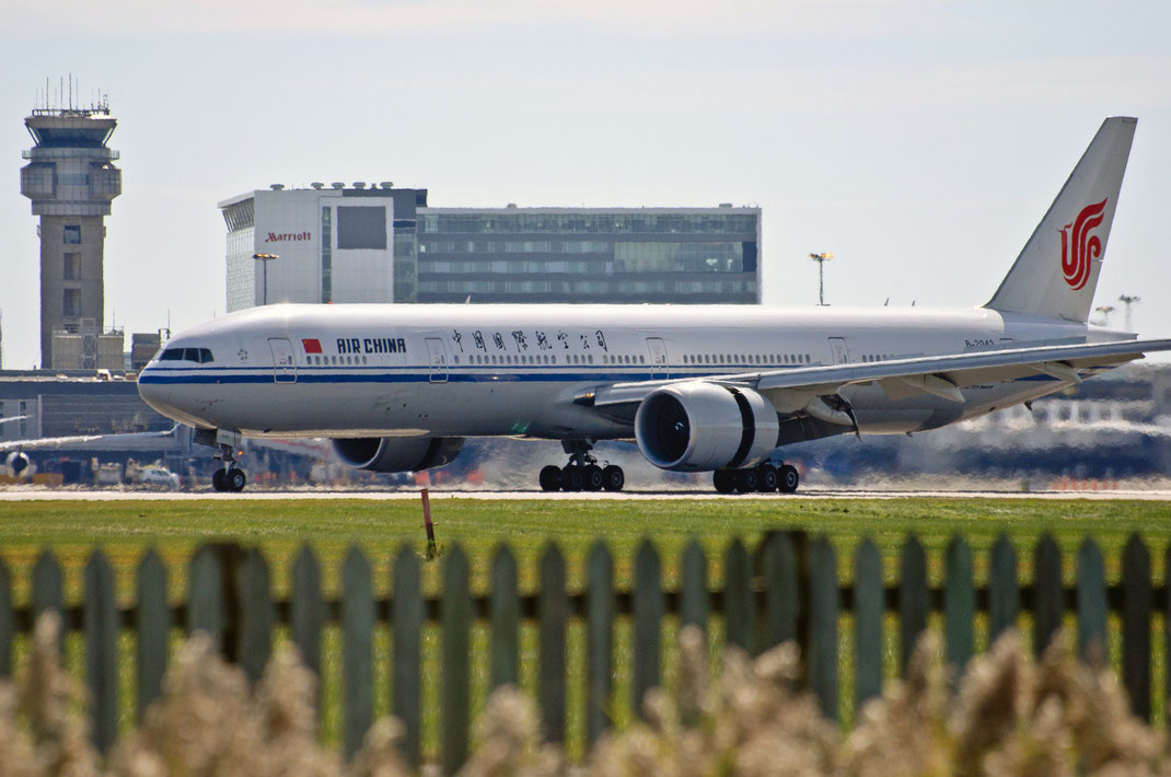 Air China 777 Montreal