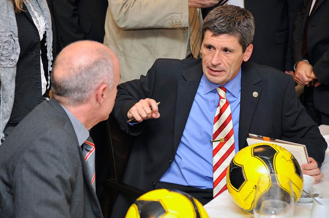 dr. markus merk, vortrag, sport, fussball, autogramm