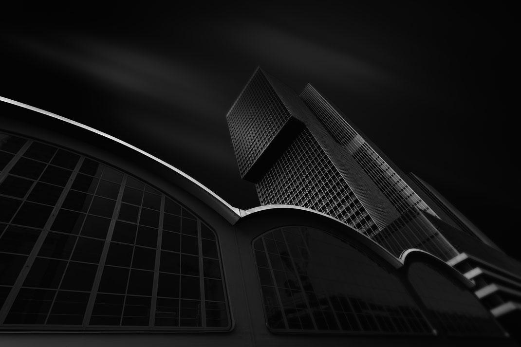 Hotelgebäude im Hafen von Rotterdam von Tobias Gawrisch (Xplor Creativity)