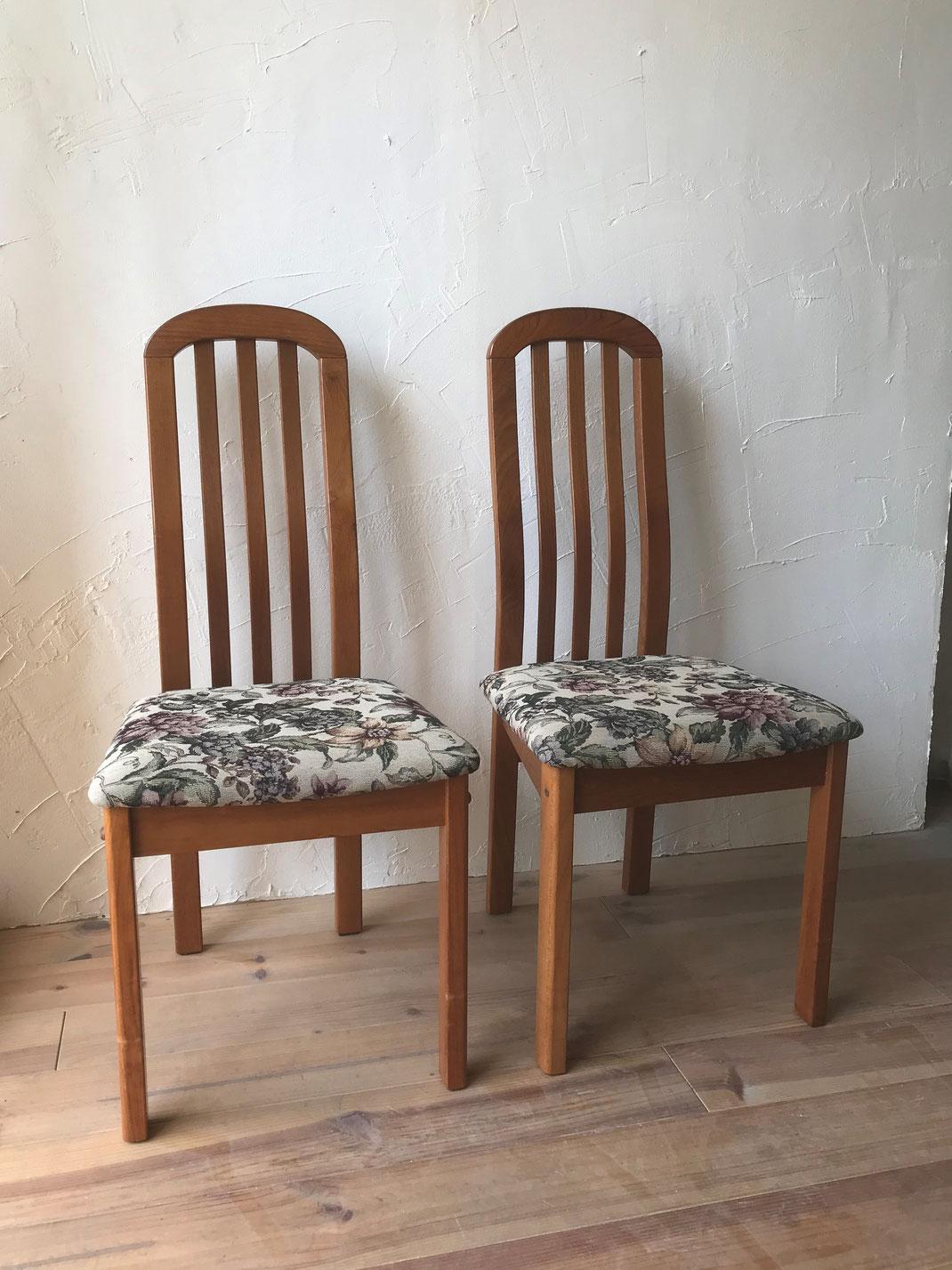 食堂椅子張替え後