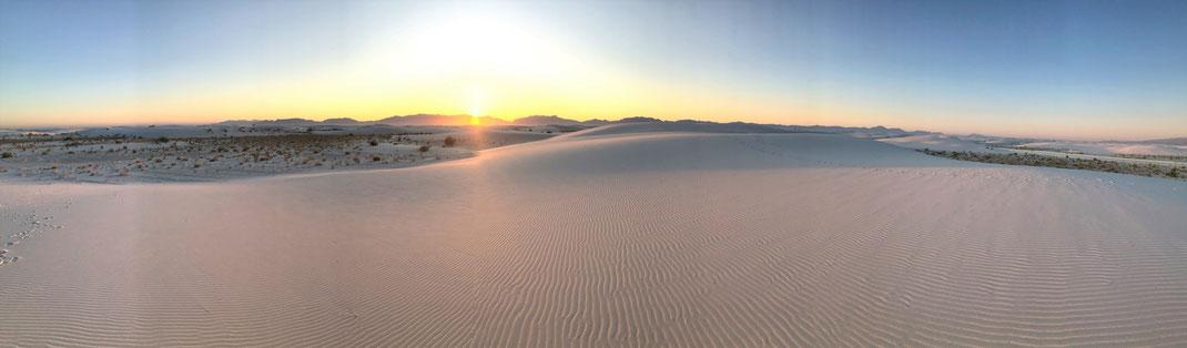 Unglaublich: funkelnder Sonnenuntergang im White Sands Nationalmonument.