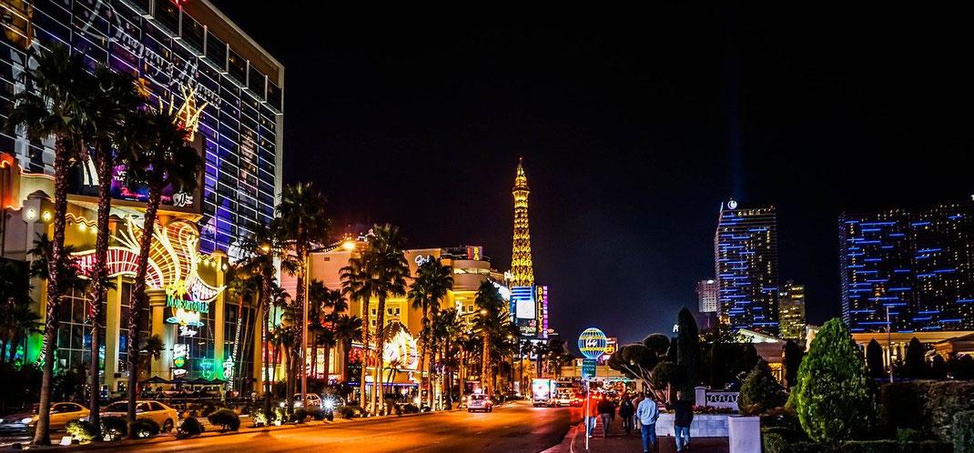 Der leuchtende Strip von las Vegas  ist immer wieder ein Highlight.
