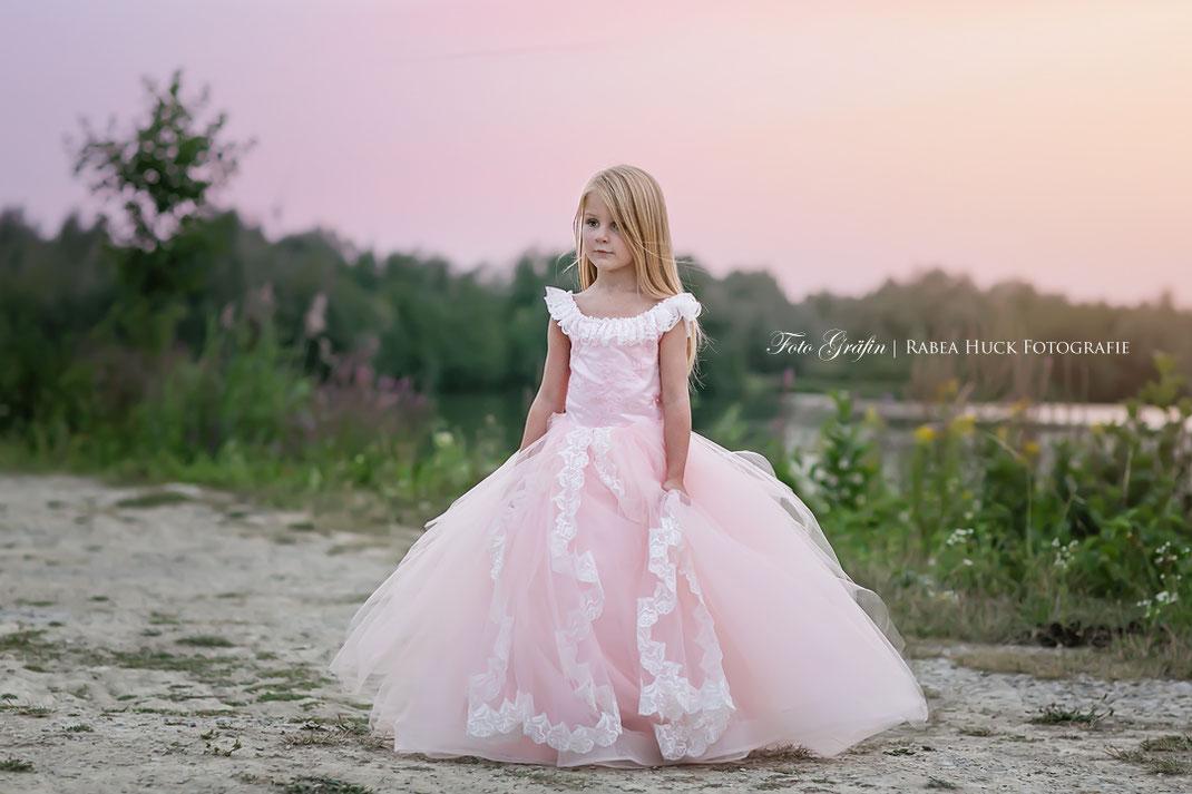 Prinzessin im rosa Kleid