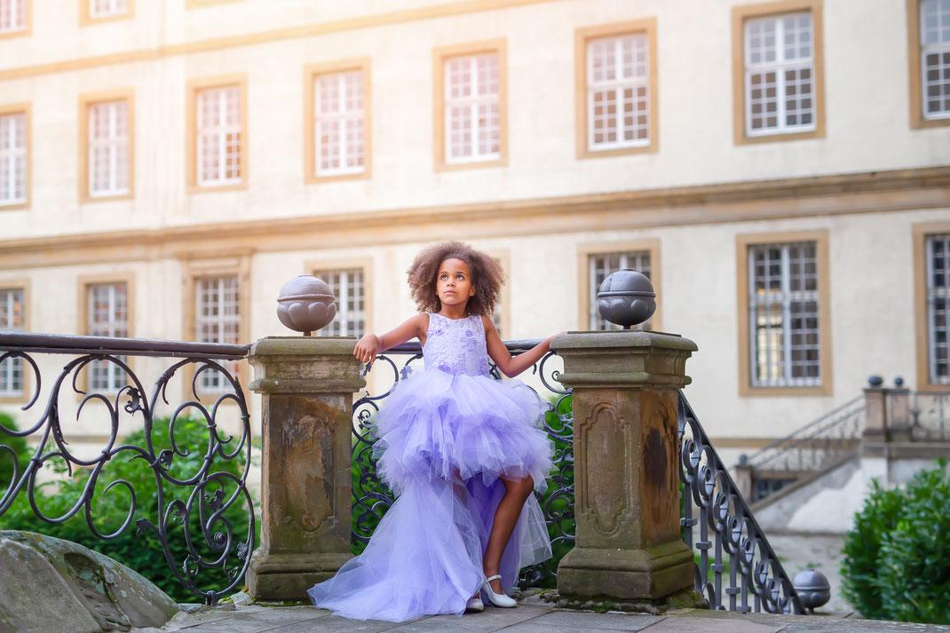 Mädchen mit Kleid in Büren