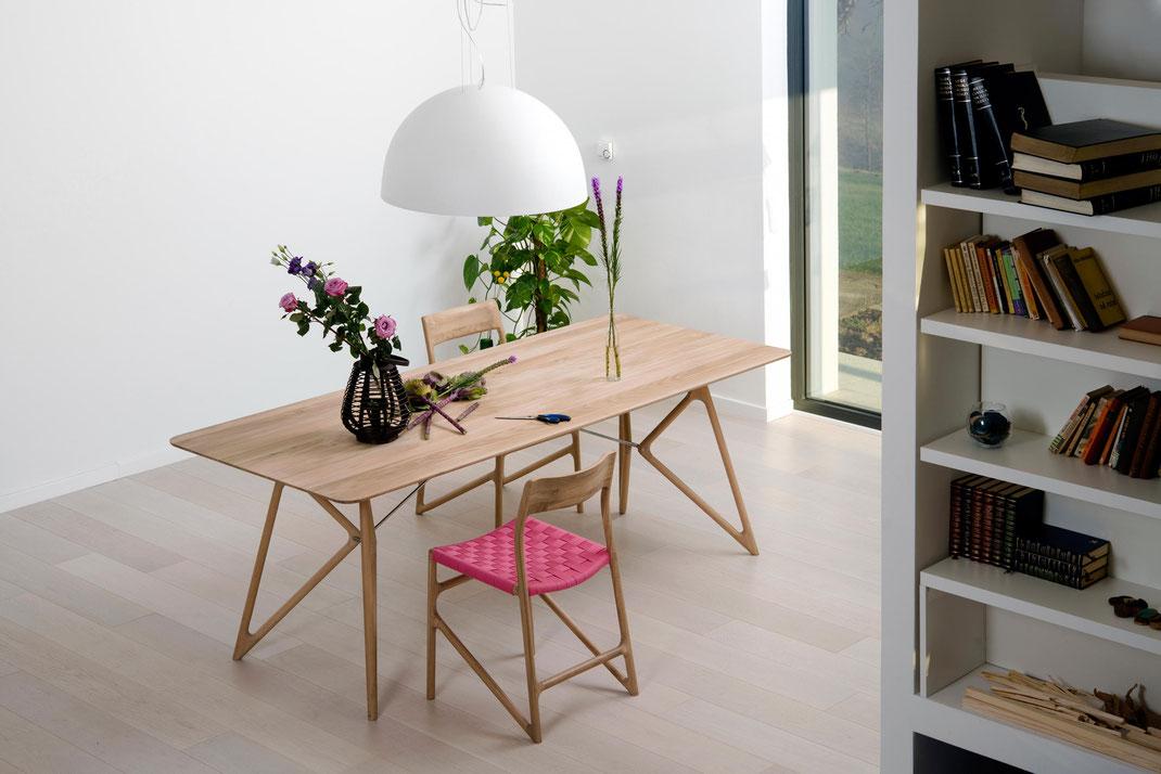 Gazzda-Tisch-Tink-und-Stuhl-Muna