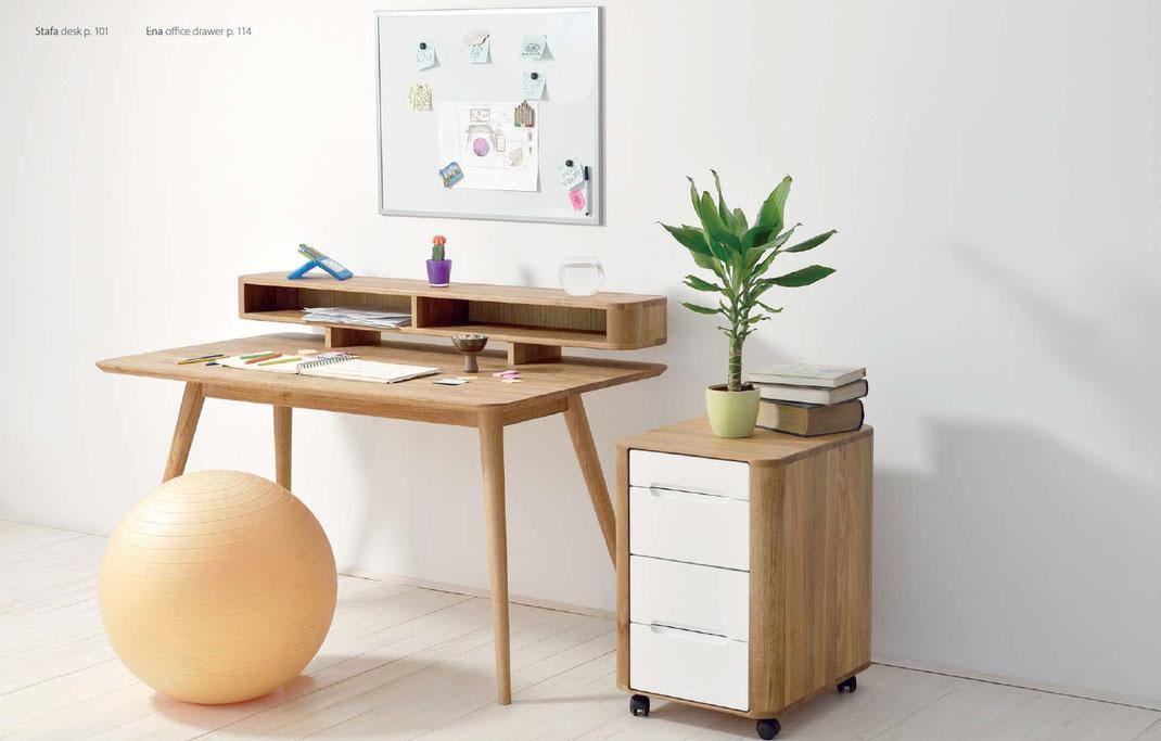 Gazzda-Schreibtisch-Stafa-und-Stuhl
