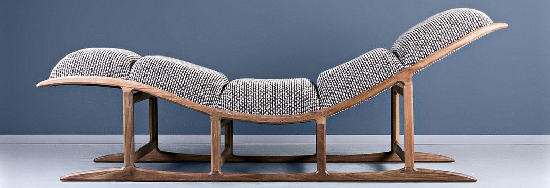 Chaise-Lounge-Most-von-Hookl-und-Stool-ist-gut-gepolster