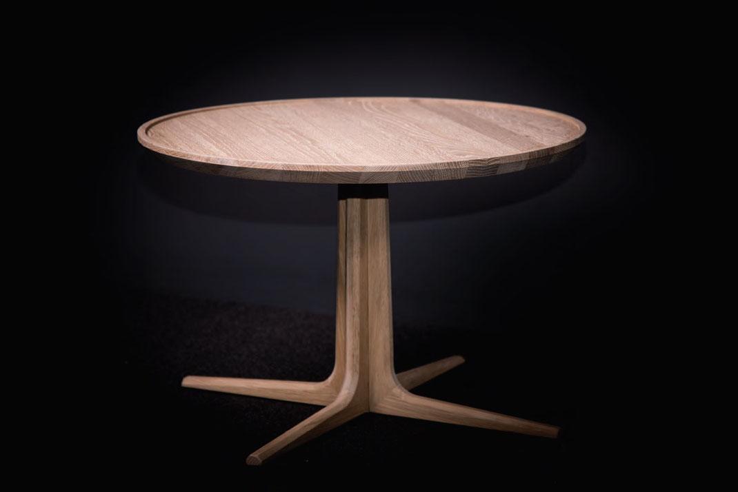 Runder-Esstisch-Loft-von-WoodLab-mit-Tischplatte-aus-Eiche