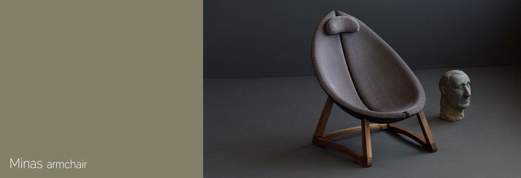 Minas-ein-bequemer-Sessel-von-Hookl-und-Stool