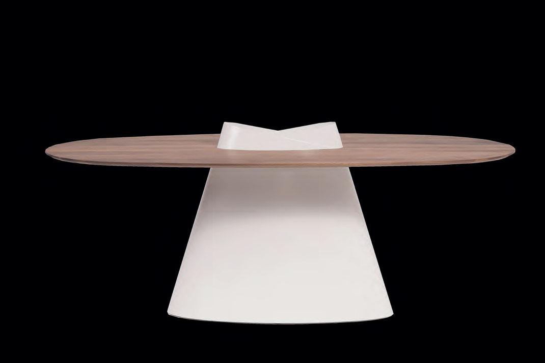 Esstisch-Cone-von-WoodLab-mit-Tischplatte-aus-Eiche