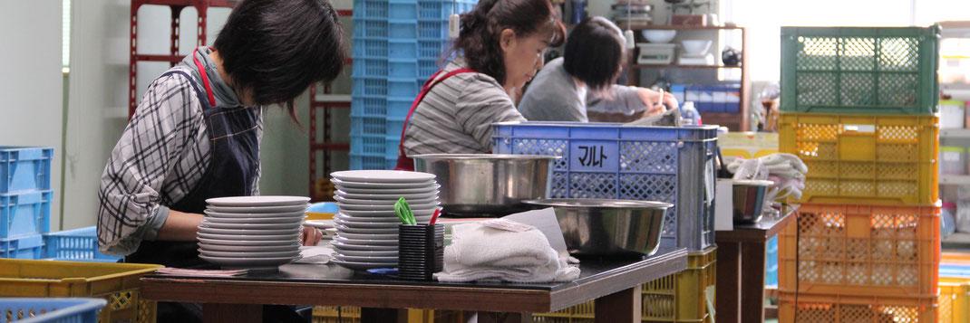 陶磁器に興味のある方大募集。ものづくりや食器のことを一から教えます。