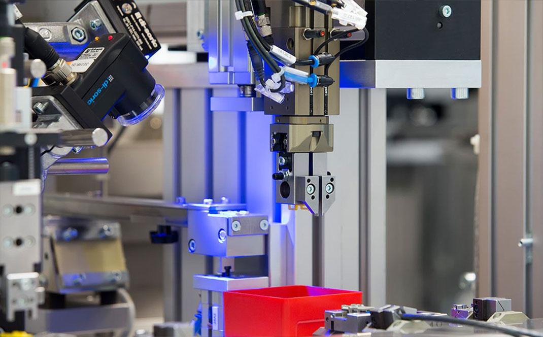 Automatisierungstechnik Kabelverarbeitung Kabel Crimp Metallbearbeitung Kurt Betz GmbH Verpackungstechnologie und Nachhaltigkeit Sondermaschinenbau Deutschland