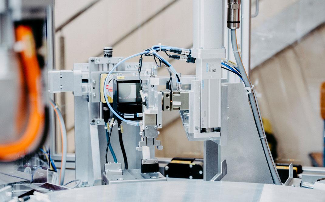 Automatisierungstechnik Pruefautomation Verpackungsmaschinen Crimppresse Maschinenbau Studium Heilbronn Frontplatten Kurt Betz GmbH Lohnfertigung Pharma