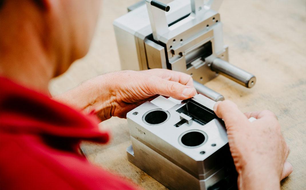 Fertigungstechnik Werkzeugtechnik Maschinenbau Firmen Heilbronn Lohnfertigung Montage Sondermaschinenbau Hersteller Kurt Betz GmbH Bestueckungstechnik