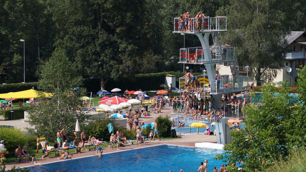 schwimmbad schwaz  unterkunft ferienzimmer ferienhaus weerberg urlaub tirol österreich ski wandern lift holiday sommer winter herbst
