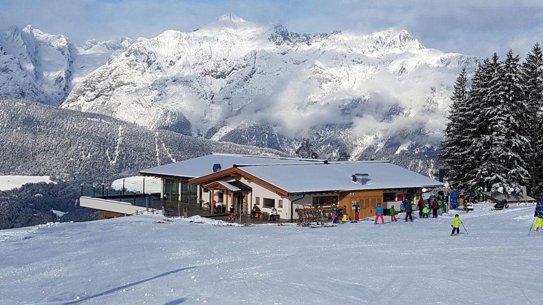 das hüttegg  gasthaus unterkunft ferienzimmer ferienhaus weerberg urlaub tirol österreich ski wandern lift holiday sommer winter herbst